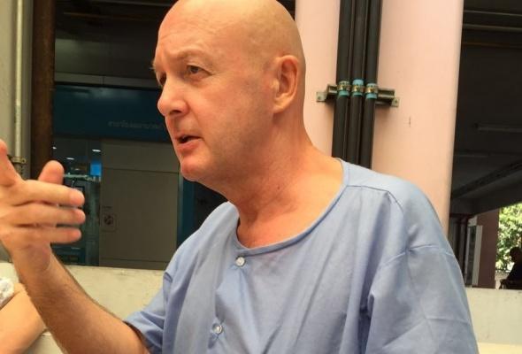 Gezondheid Van Laarhoven (56) verslechtert in 'Hel van Bangkok': last van hart, rug en galblaas